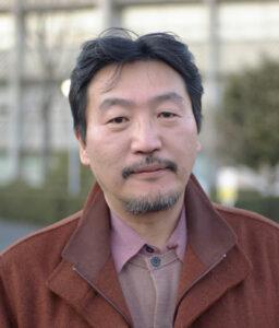 水上泰財教授(油絵学科)